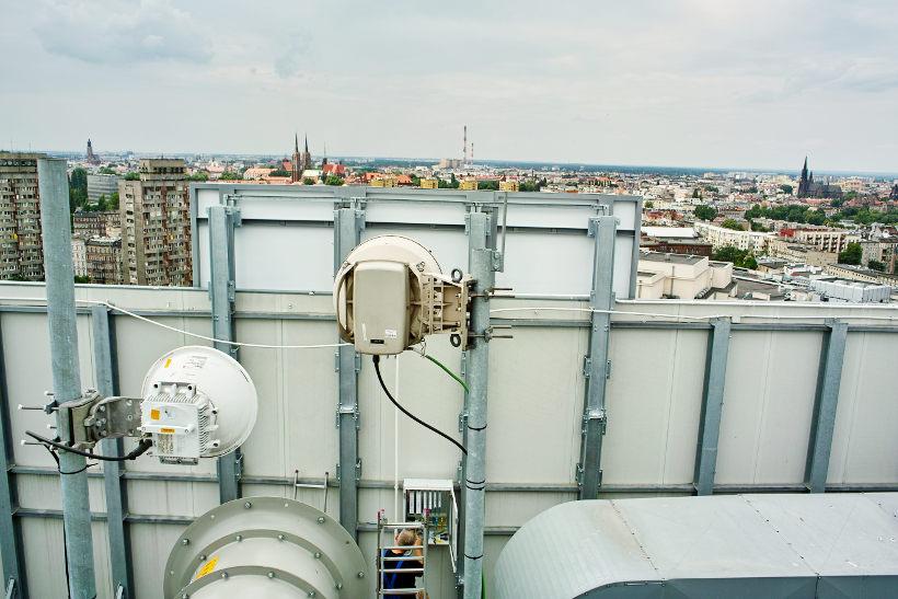 dostęp do budynku zapewnienie telekomunikacji