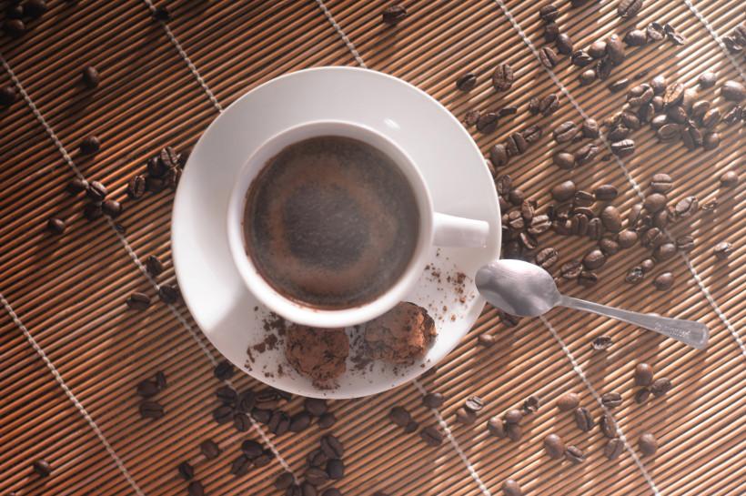 MUGSHOT fotografia kawa świeżo palona