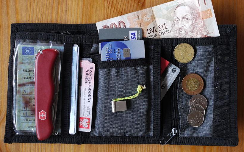 aba7eeb5255b5 Portfel Alpinus  test portfela dla turysty i podróżnika