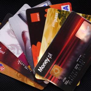 bezprawne dokonanie transakcji pieniądz elektroniczny