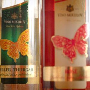 białe wino dla kobiety czeskie motylek
