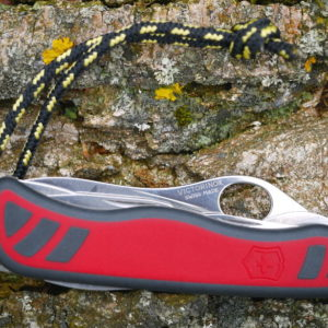 Victorinox Nomad One Hand test