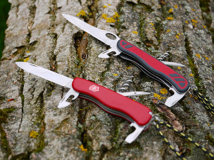 Victorinox Nomad One Hand vs. Picknicker