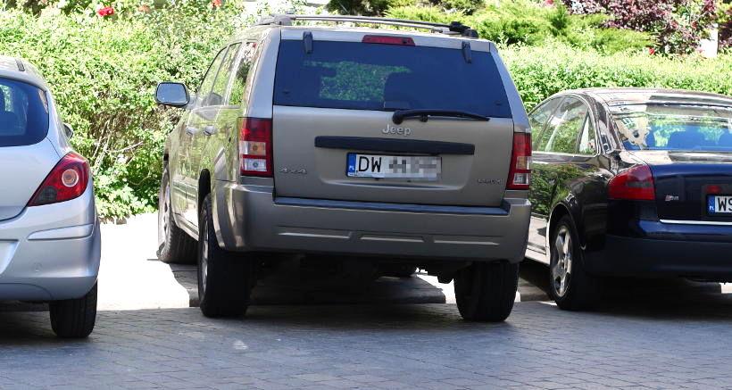 parkowanie SUV dmc 2,5t chodnik