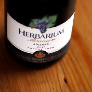 Zámecké vinařství Bzenec Herbarium Moravicum André 2015