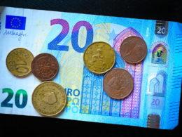 kara umowna niewykonanie zobowiązania pieniężnego