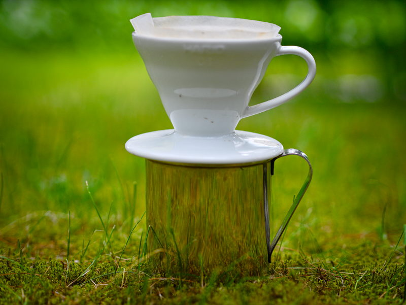 Parzenie kawy podróży turystycznej