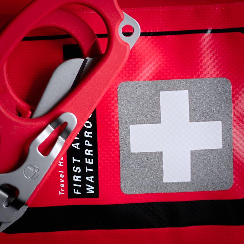 czerwony krzyż znak towarowy