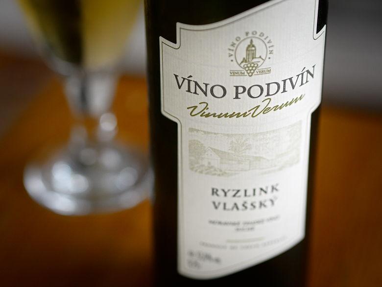 Víno Podivín Ryzlink vlašský